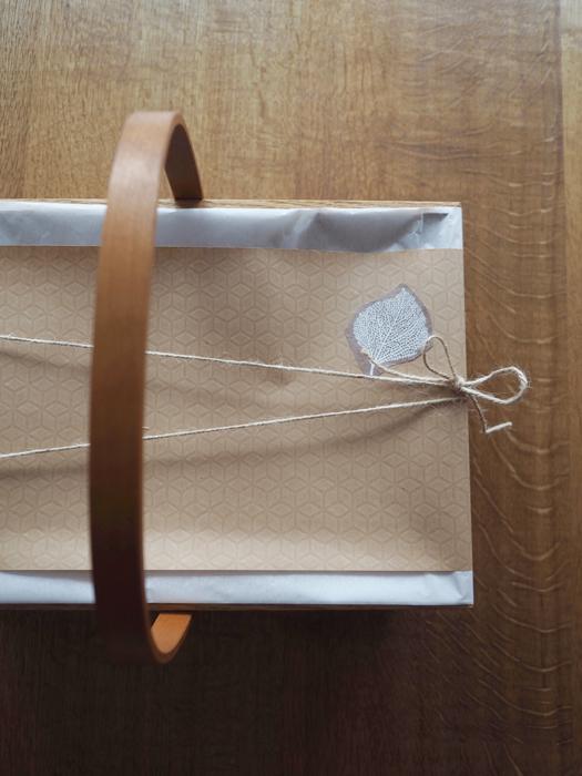 「栗の木のかご」プレゼント用包装例