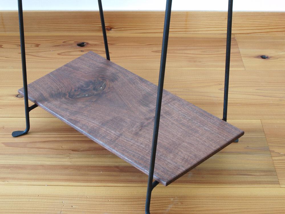 木と鉄のハンガーラック