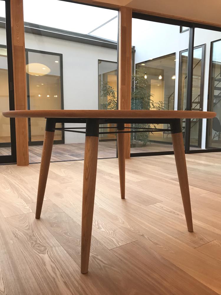 ラウンドテーブル 丸テーブル Yチェア 選び方 楢